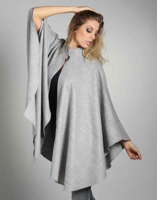 Baby alpaca grey Cape